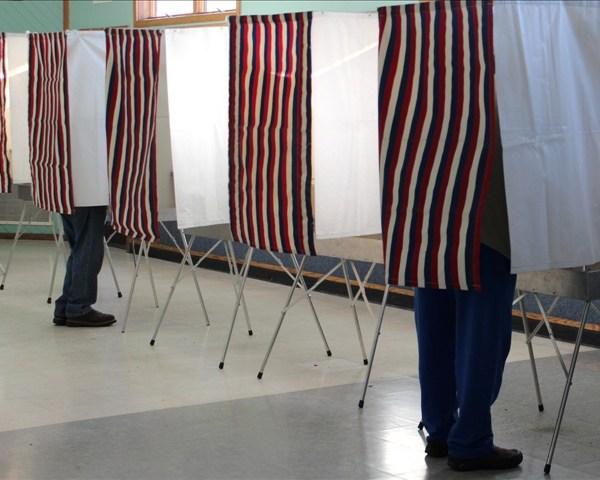 voting booth_1430097399726.jpg