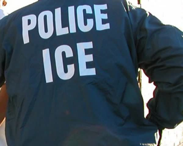 Protesters allege ICE detainee abuse_29915679-159532