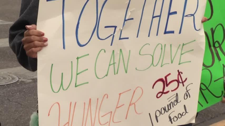 students begging for change_65287312-159532
