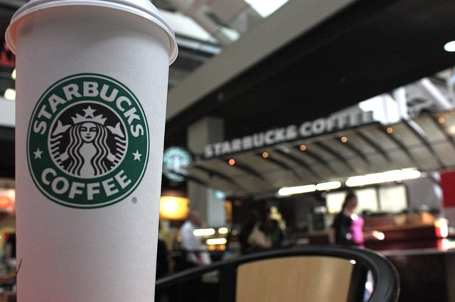 starbucks2_cnn_1490913022057.jpg