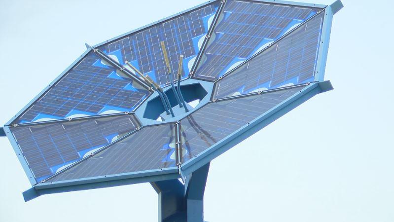 Solar panels along Interstate 35 in Austin_1507774271296-54787063.JPG