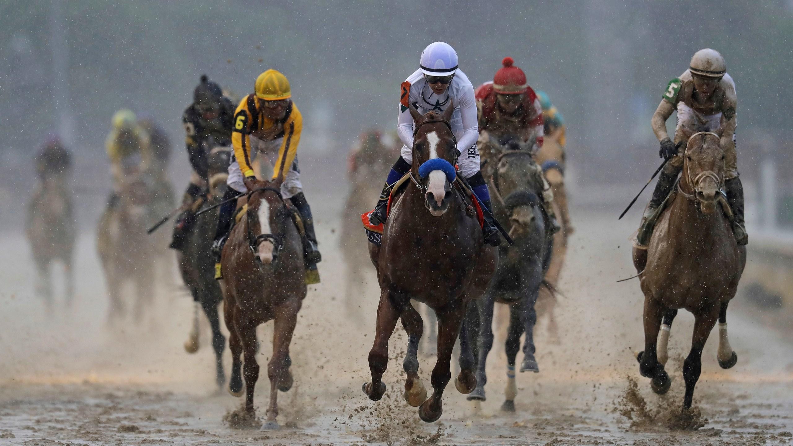 APTOPIX_Kentucky_Derby_Horse_Racing_19636-159532.jpg24162122