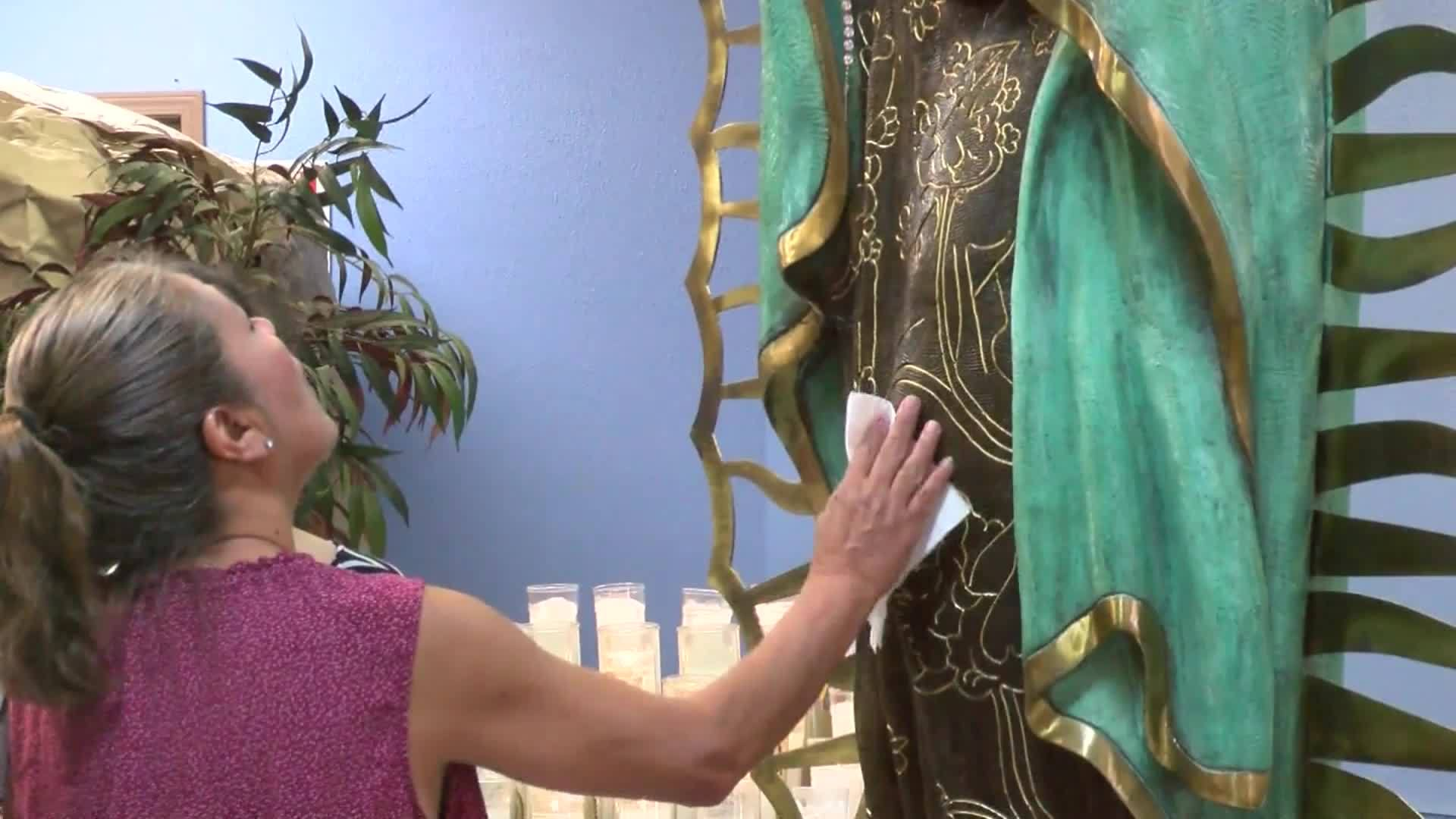 Virgin Mary crying in Hobbs, New Mexico