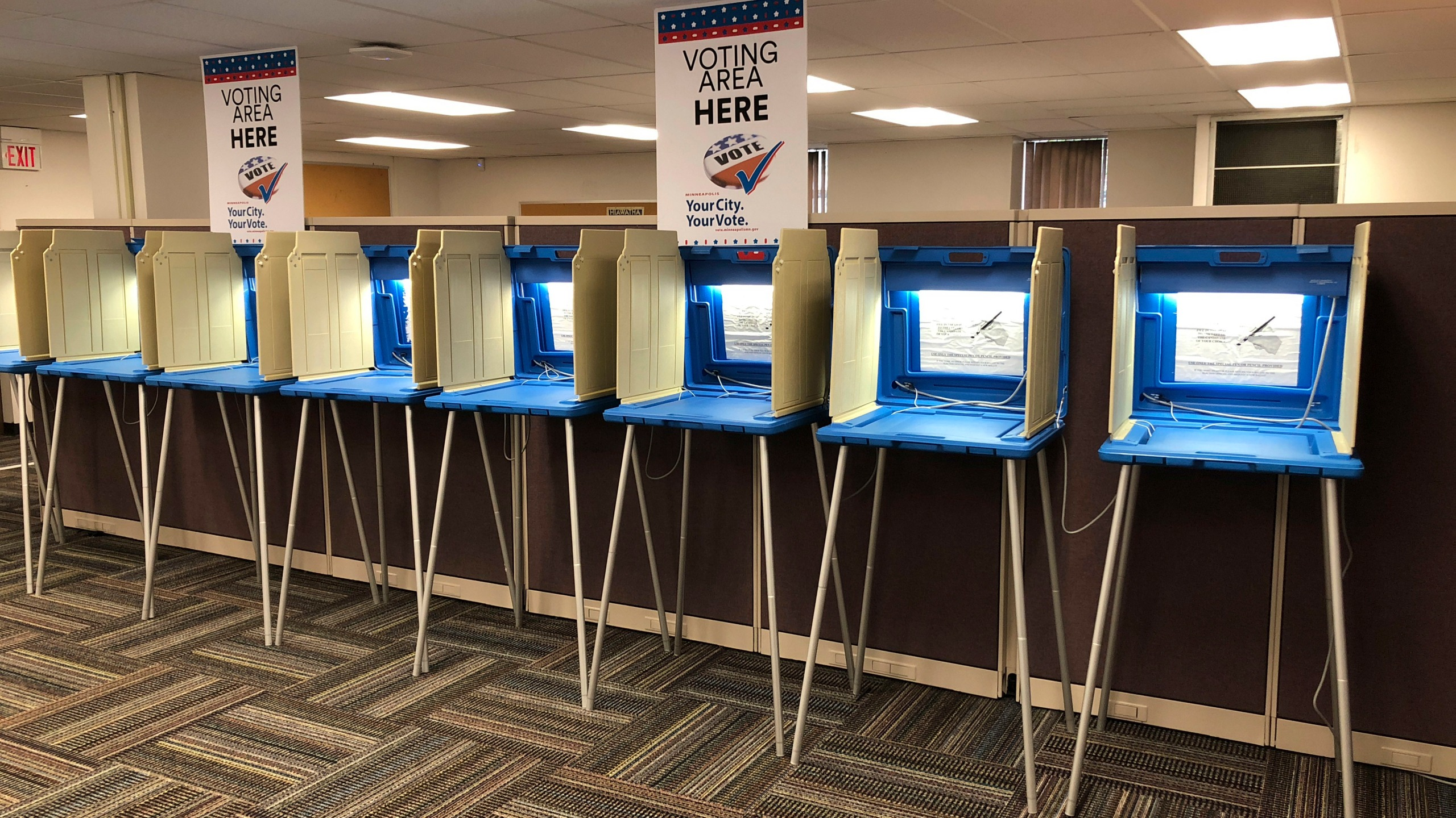 Election_2018_Early_Voting_31622-159532.jpg49044132