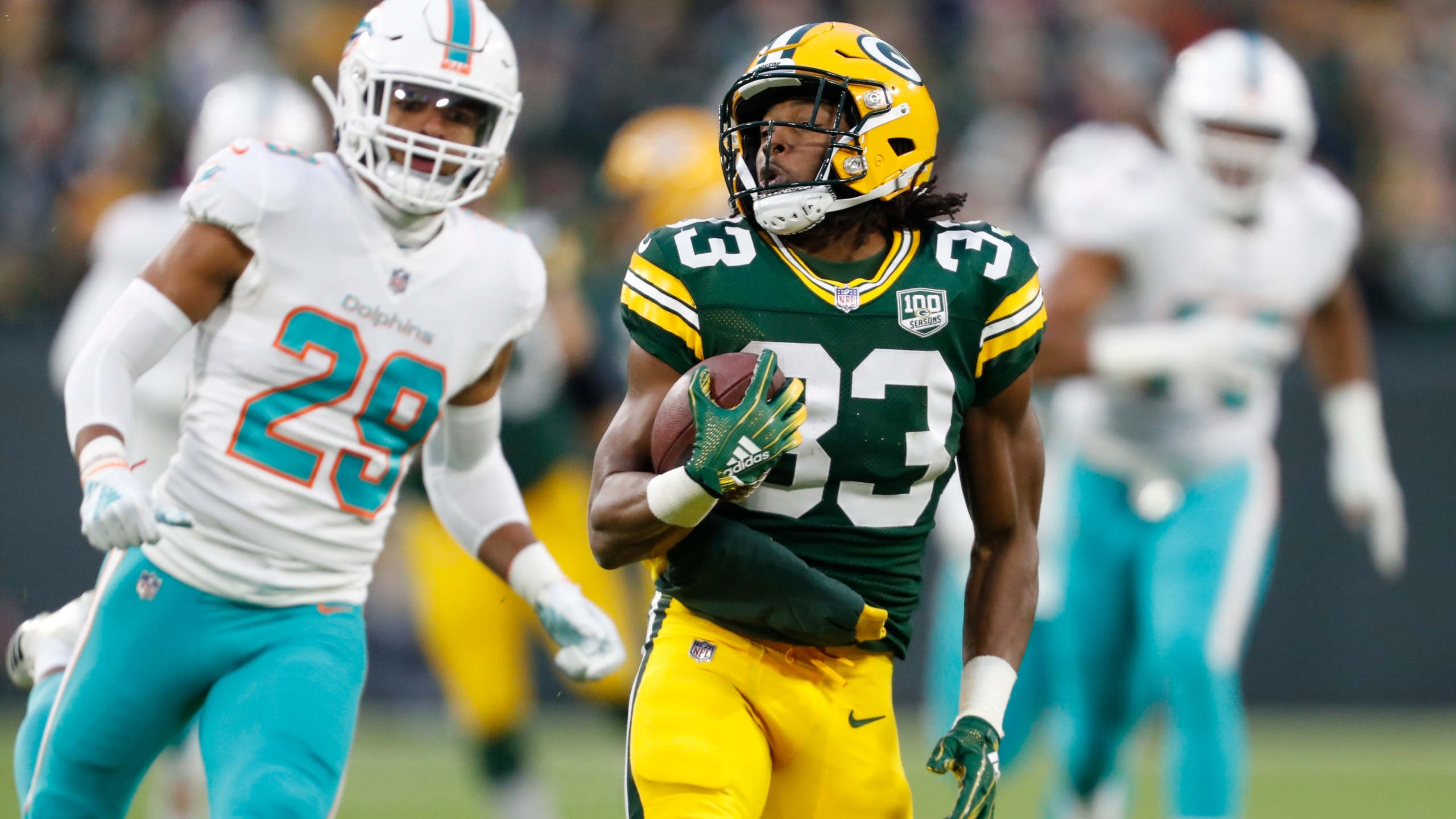 Dolphins_Packers_Football_17704-159532.jpg01078901