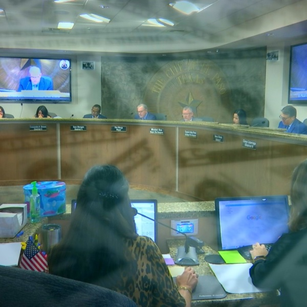 El_Paso_City_Council_takes_another_step__0_20180418011204