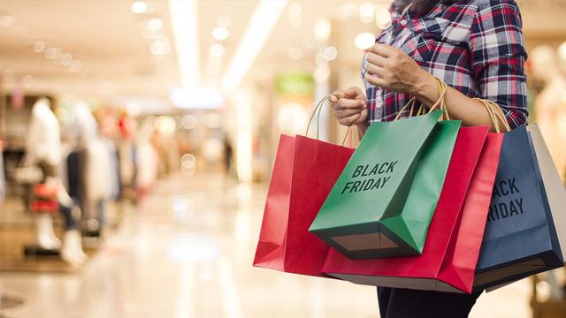 black-friday-shopping-at-the-mall_1542817198181_421713_ver1.0_62844402_ver1.0_640_360_1542998194646.jpg