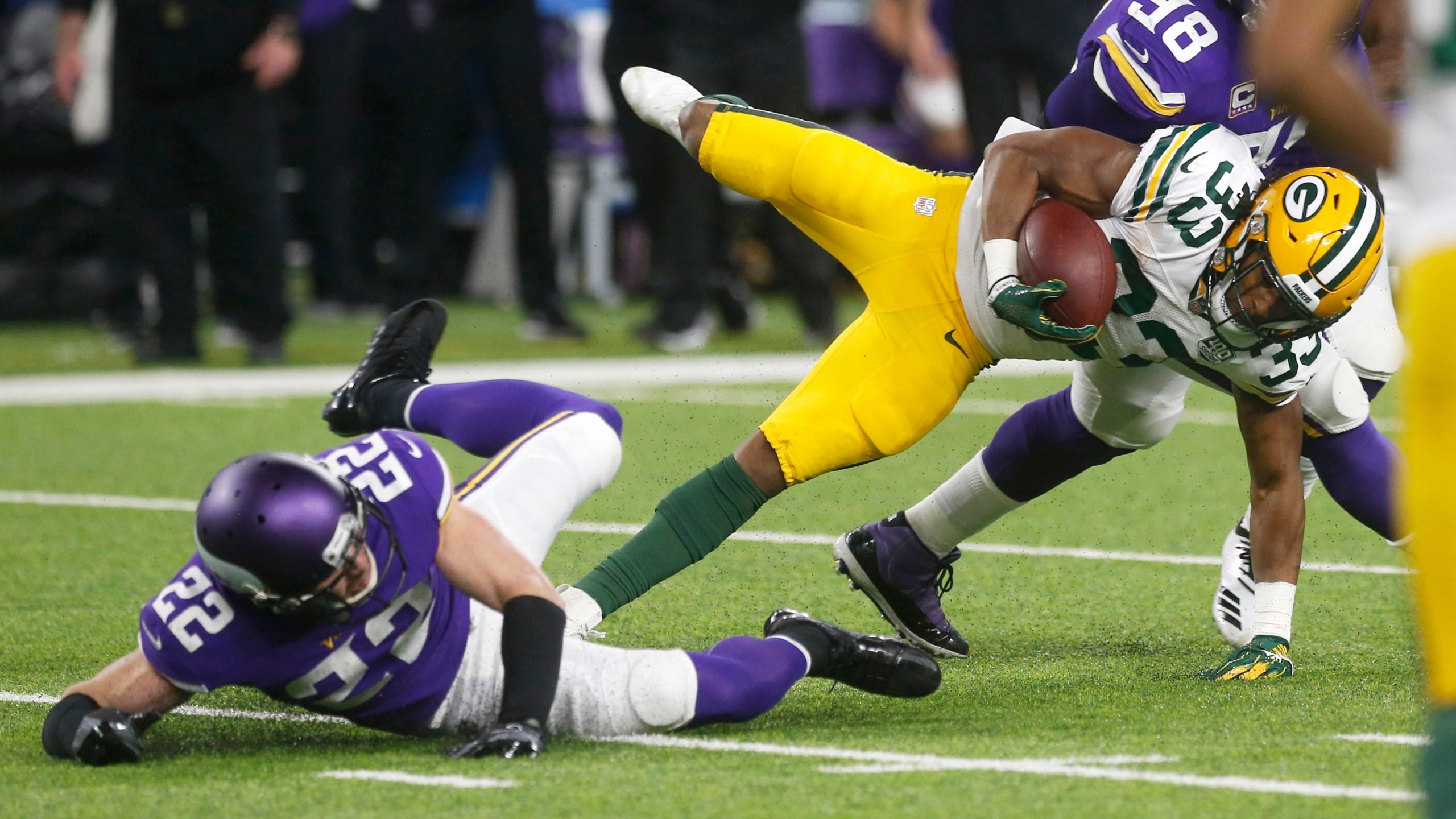 Packers_Vikings_Football_12463-159532.jpg61422879
