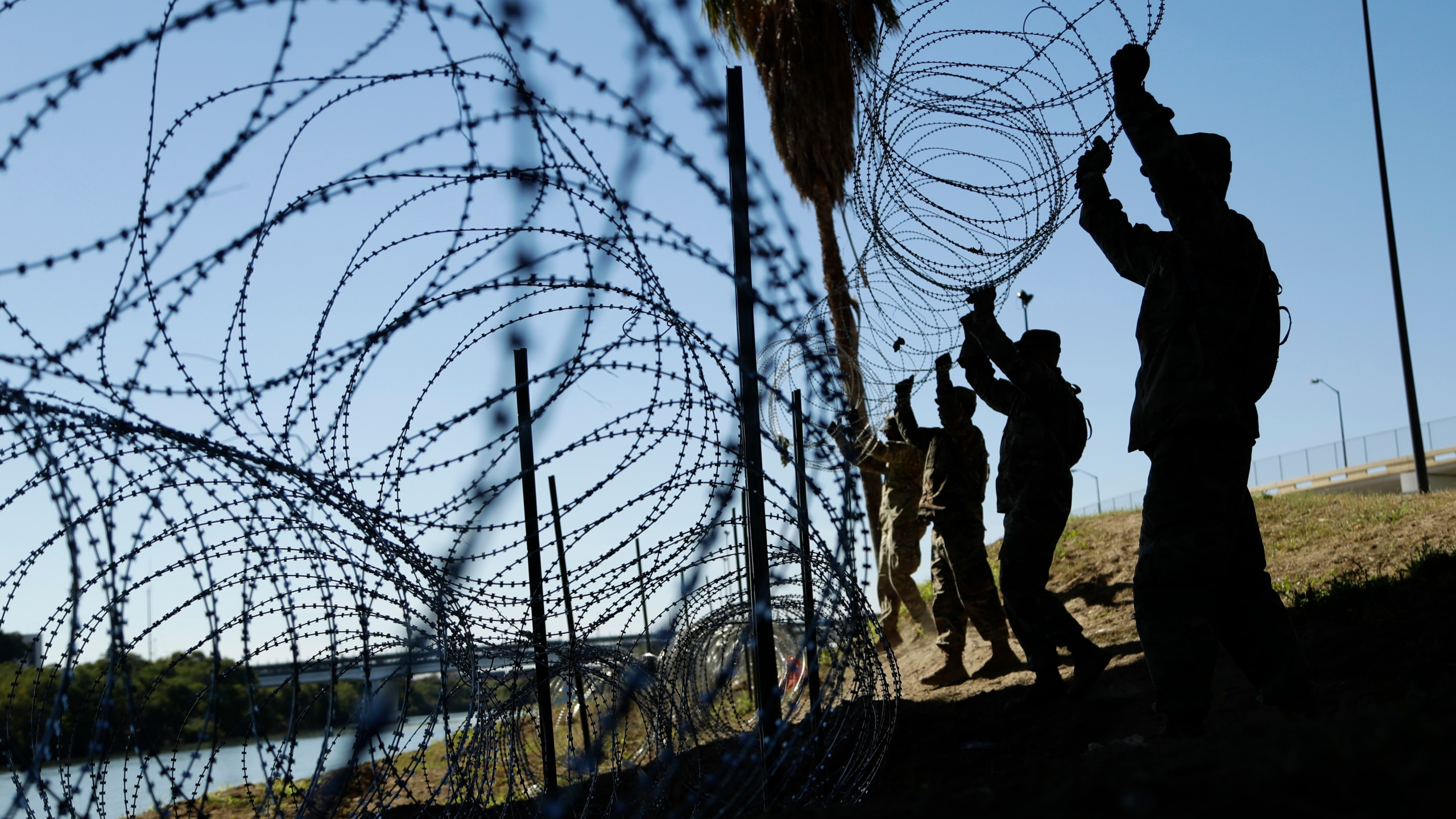 Border_Military_Troops_20652-159532.jpg24075129