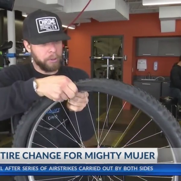 Mighty Mujer tire change