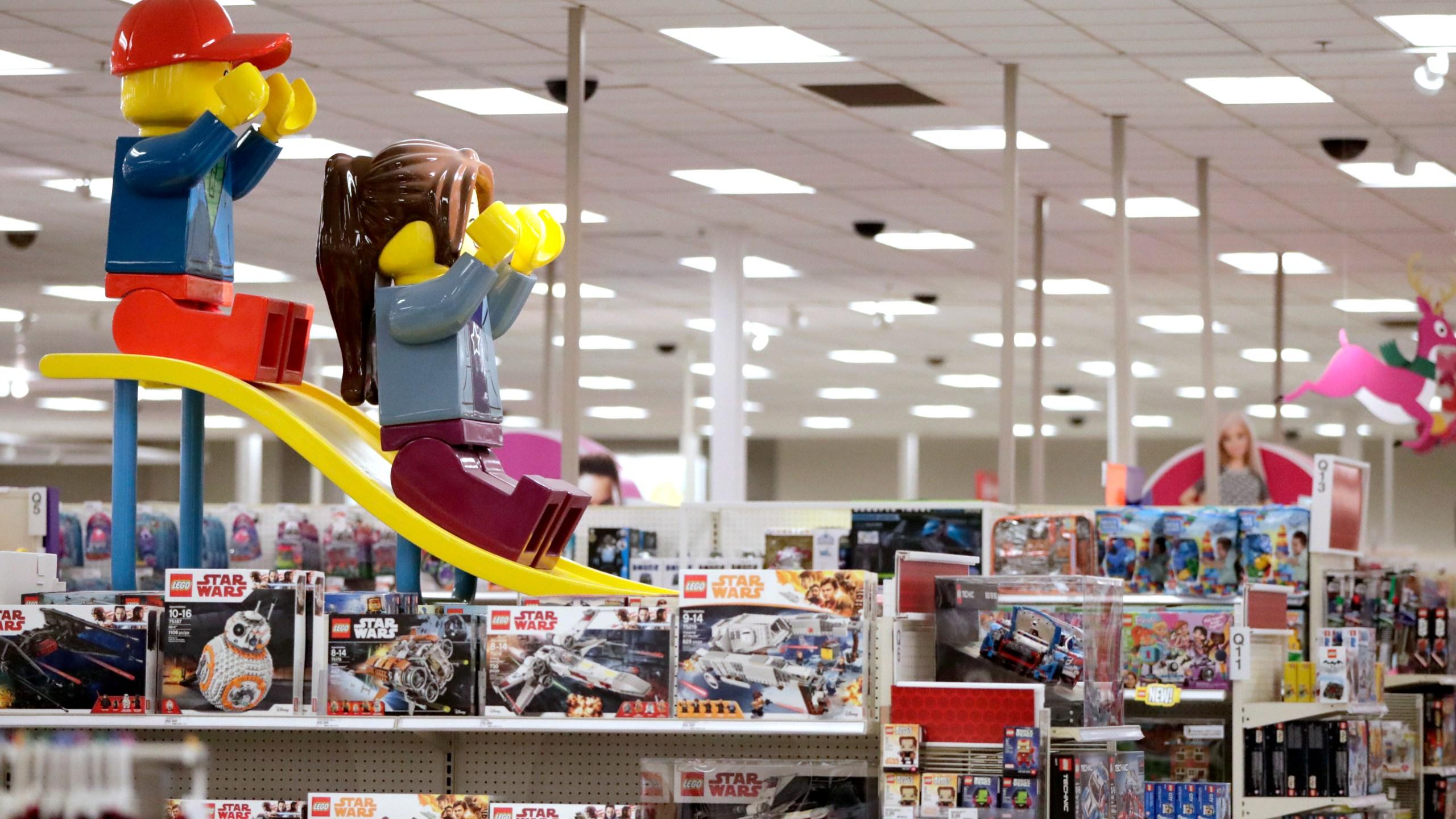 Dead_Retailers_Holiday_16745-159532.jpg49722266