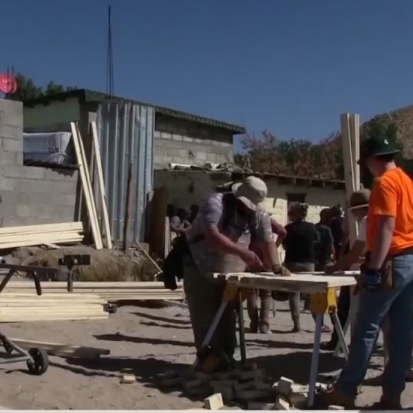 Casas for Cristo build homes for the poor in Juarez