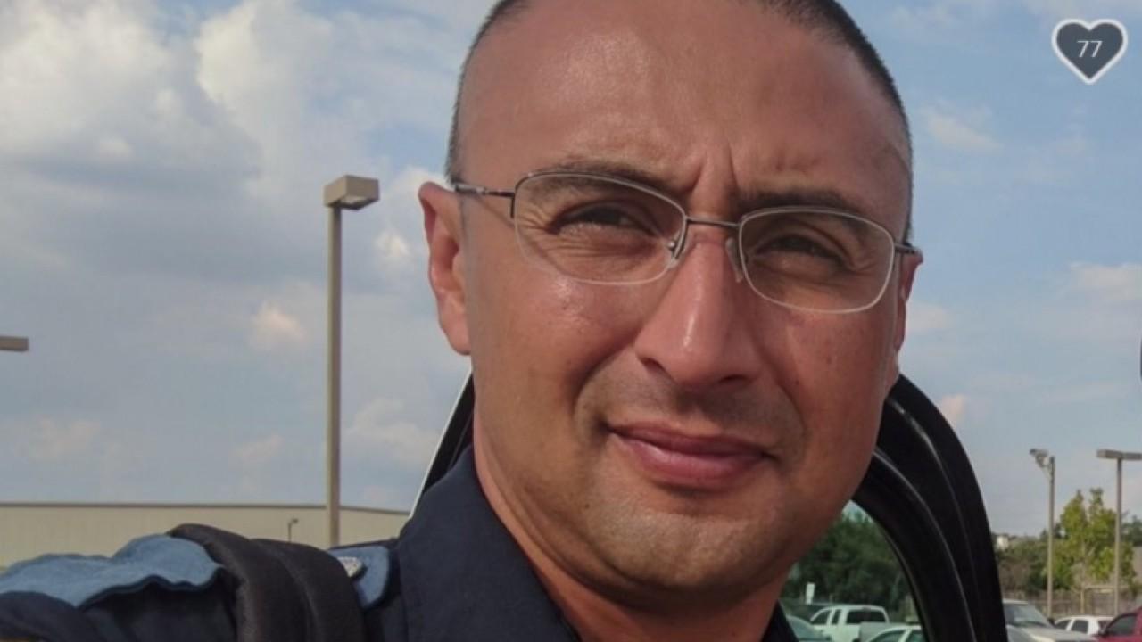 Dozens of El Pasoans donate blood for officer injured in crash
