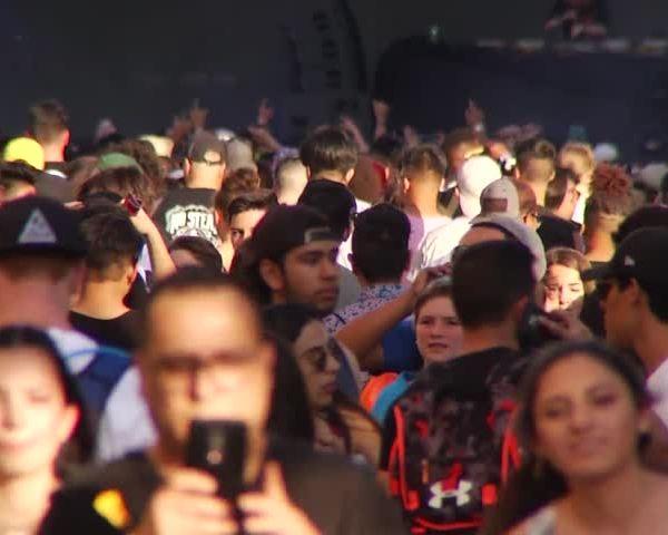 Neon Desert Music Festival takes over downtown El Paso_70060193