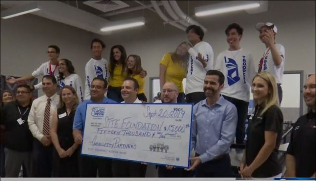 El Paso Electric awards Grant in support of STEAM education