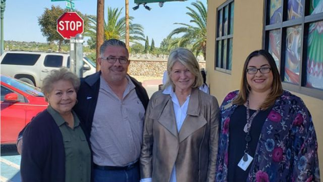 Martha Stewart drops by L&J Cafe for surprise lunch visit