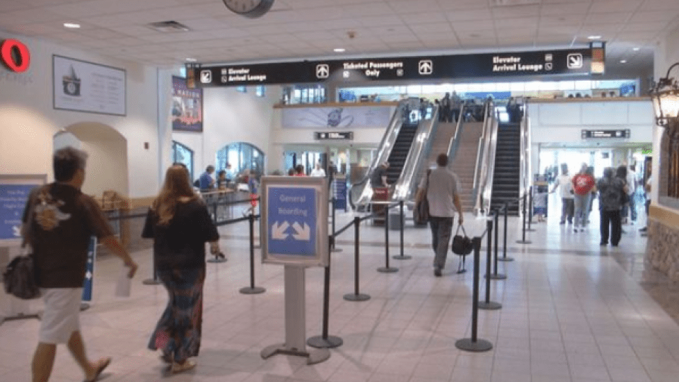 el paso international airport already on board with mask